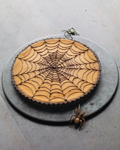 Chocolate Pumpkin Spider Web Tart ~ Looks good!