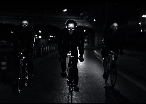 statebicycle:  GHOSTRIDERS in PARIS… send in your Halloween shots!