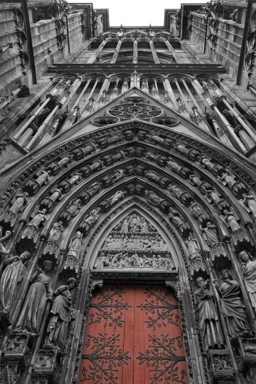 nein11:  missartistsoul:  Cathedral of Strasbourg III by *RedNihao  when you see it, it's even more beautiful