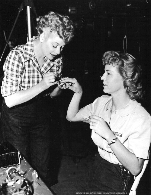 Scan: Lucille Ball applying nail polish to her stand-in Joan Carey on the set of The Long, Long Trailer (1953)