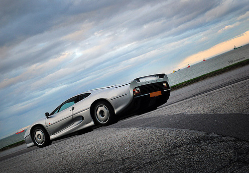 photofinish:  Jaguar XJ220 (by PWphotography)