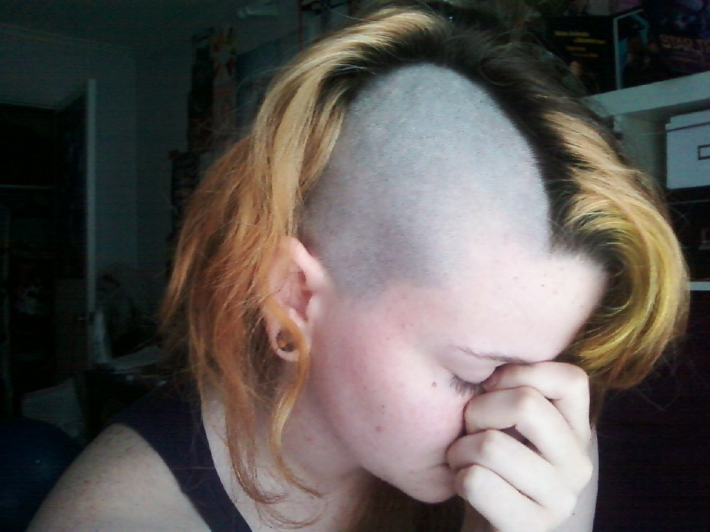 """p00pheadies: """" i shaved it again i hadn't shaved it in 3 months i used to wrong attachment so it got too short then it broke in the middle of it so i had two bald spots so i just shaved it all off what do you think? """""""