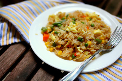 shelovesasianfood:  fried rice (by jacqui | happy jack eats)