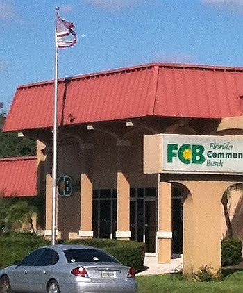 "Community Bank To Pay Customers To Open Accounts In Response To BofA's Fees ""We needed to do something to help consumers who are under attack from  behemoth national banks charging fees that just don't make sense,"" Katie  Pembles, Community Bank president told Bradenton.com in an interview.  ""People have a choice of where to bank, and at Community Bank, we  thought paying people $5 per month rather than charging them $5 per  month was a good way to set us apart."""