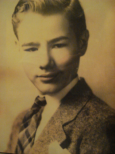 flavorpill:  Andy Warhol, and other photos of famous artists as children