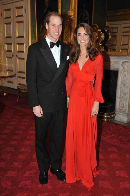 sloane-ranger:  In a red Beulah London gown at last night's 100 Women in Hedge Funds London Gala. photo via What Kate Wore.