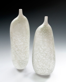 (via Liza Riddle - coil built ceramics)