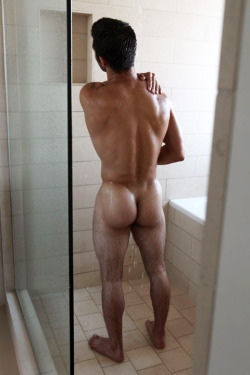 nice shower, does the guy come with it?