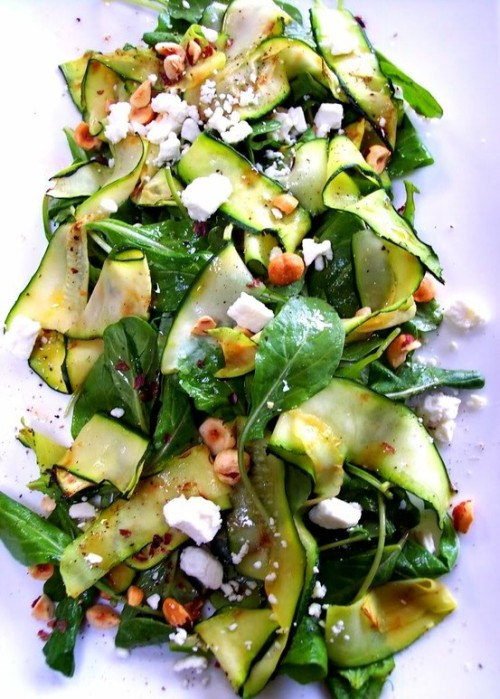 uniquecharms:  blissest:  yummmy  dat salad