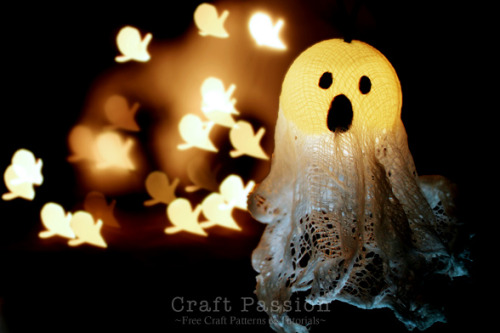(via Halloween | Ghost Lights | Free Pattern & Tutorial at CraftPassion.com)