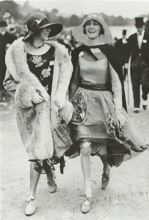 Flapper friends