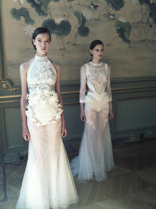 Josefien Rodermans & Joanna Koltuniak @ Givenchy Haute Couture Fall 2011 presentation