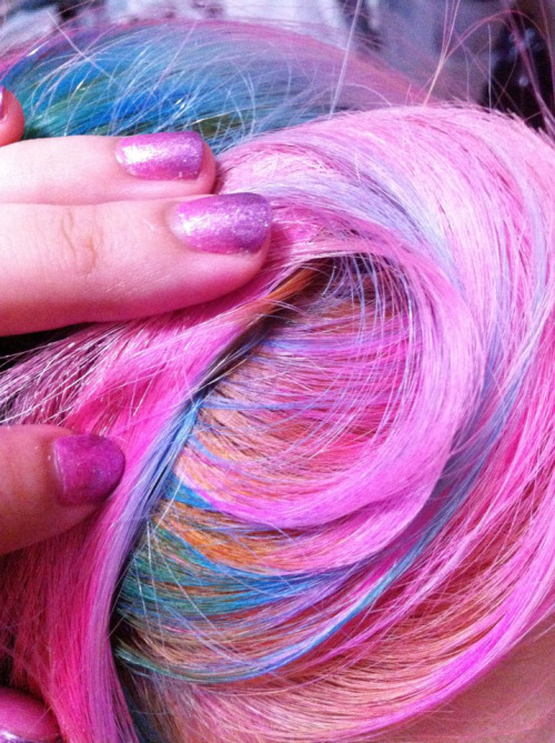 eva-pinkland:  my hair colour~  little pony hair~