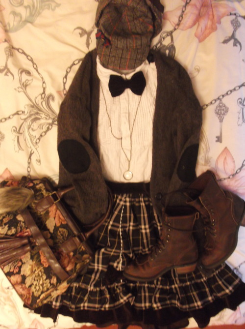 cinderellabubbles:  My Sherlock Holmes lolita outfit for Halloween!