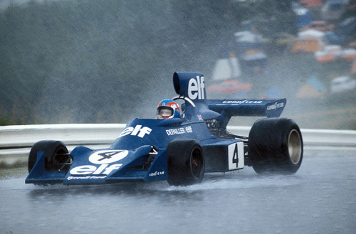 Patrick Depailler — Tyrrell 007 Nurburgring, 1974. How to turn an air box into a water box.