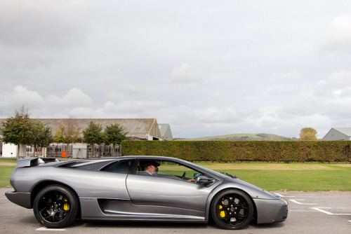 wellisnthatnice:  Gunmetal Grey. by Alex Penfold on Flickr.