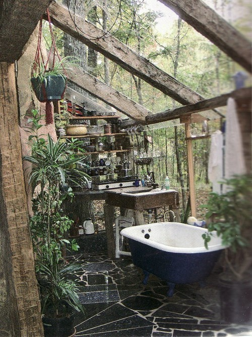 bohemianhomes:  Green house bath