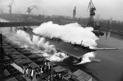 "© Sebastião Salgado, 1990, Gdańsk / Poland ""If you want to build a ship, don't drum up people to collect wood and don't assign them tasks and work, but rather teach them to long for the endless immensity of the sea."" (Antoine de Saint-Exupery) » find more of Magnum Photos here «"