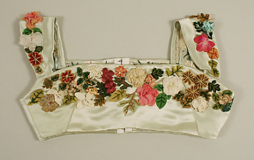 Bodice, dated between 1804–14, probably British. Constructed of silk and cotton. +