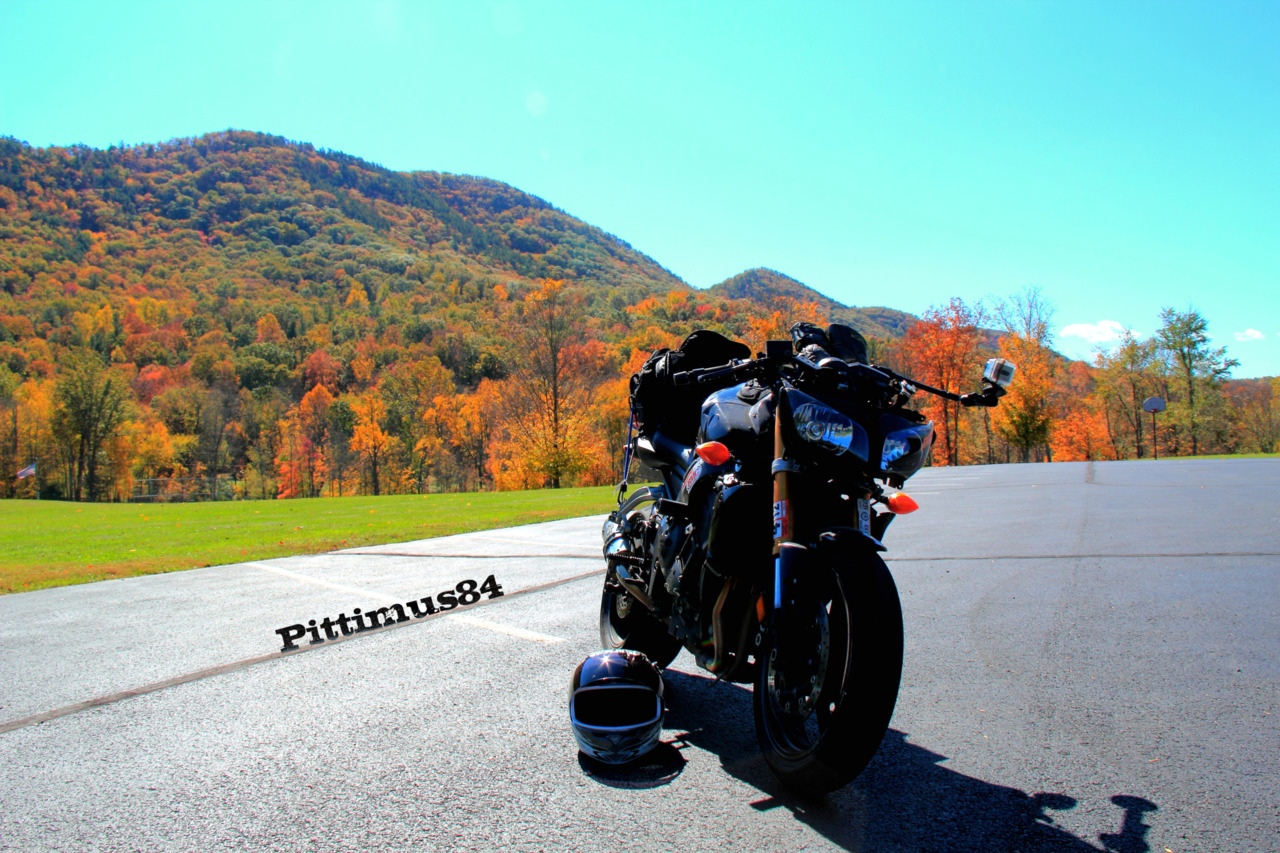 The FZ1 in Vesuvius Virginia with George Washington Nation Park in the background and those fall leaves getting close to peak colors.