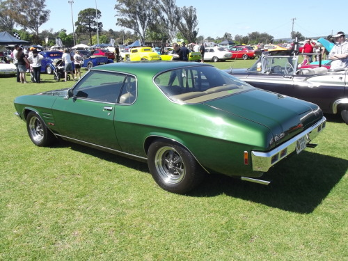 chromencurves:  One of my favourites from the show - An HQ GTS Monaro.It had the sweetest exhaust note as it rolled past me!  I swear I got a few pics from a front angle, but for some reason I can't see them on my memory card :\