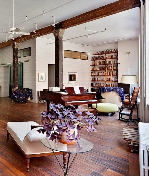 Interior of a New York loft (via Miss Design | Miss Design)
