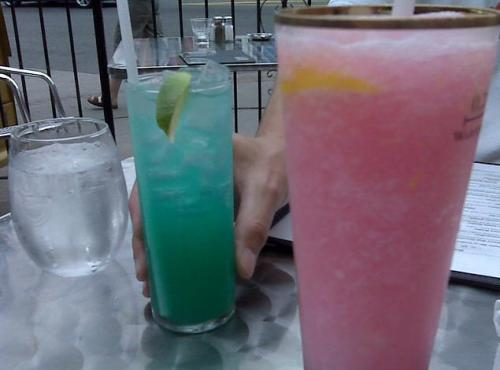 sliced-mangos:  salty-tequila:  ah pretty colours!  ^LOOOL