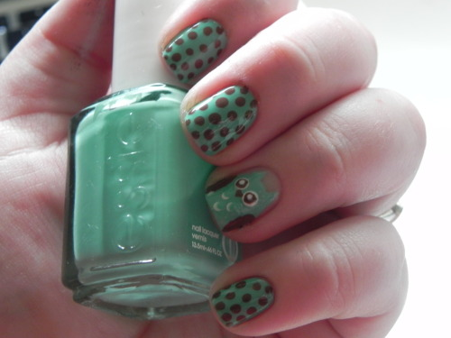 nailsintechnicolour:  little owl :)