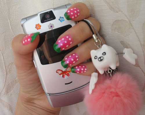 strawberry nail with cute phone dangle (by Kawaii_Bummie)