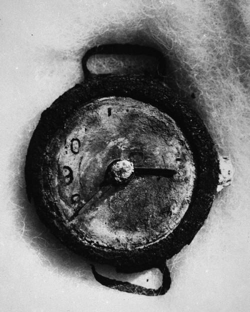 picturesofwar:  A clock in Hiroshima, destroyed during the atomic bombing of the city. Its time marks the moment when the bomb exploded; 8:16 AM.