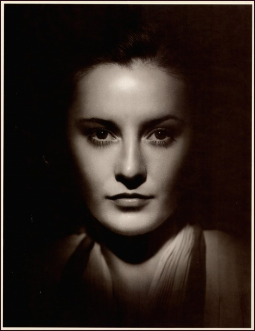 Barbara Stanwyck, 1930s, photo by George Hurrell -via sunshineabbey