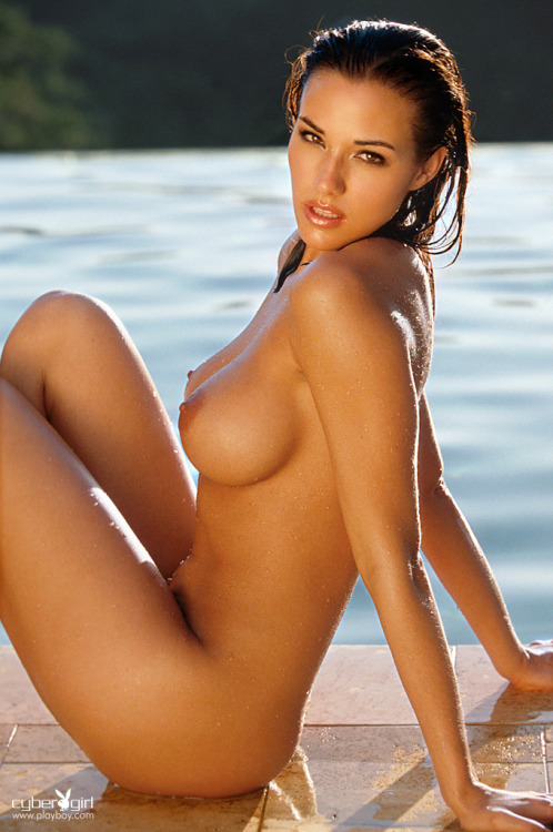 mostperfectbreasts:  Amy Sue Cooper