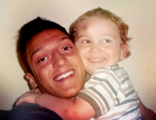 mesut—ozil:  Have you ever seen anything so cute like this?