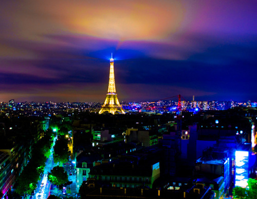 Paris Lights - Eiffel Tower Skyline by johncuthbert43 on Flickr.