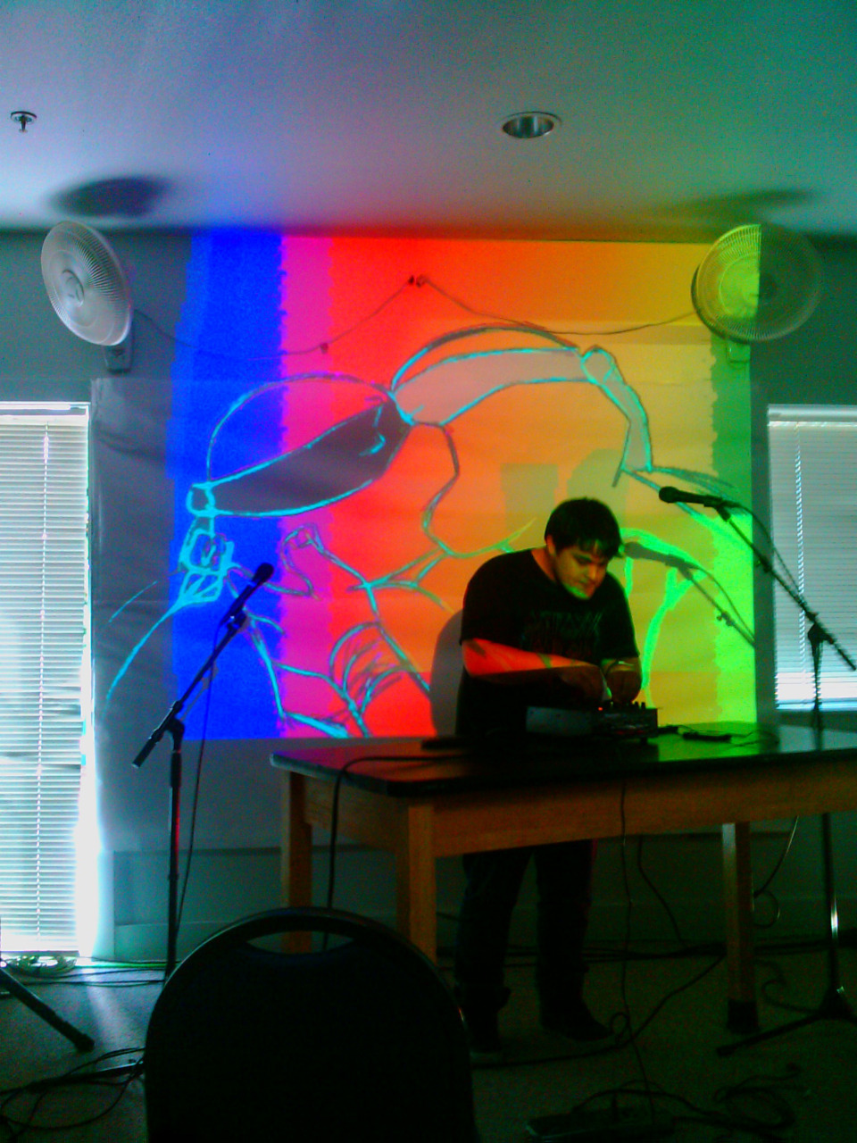 E.N.Cowell performing with Starpause on visuals as ninja turtles make out and we watch in what is normally a 5th grade classroom
