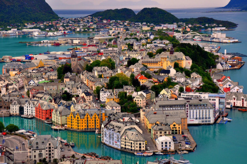 ambivalentme:                                       Norway Alesund Birdseye of City