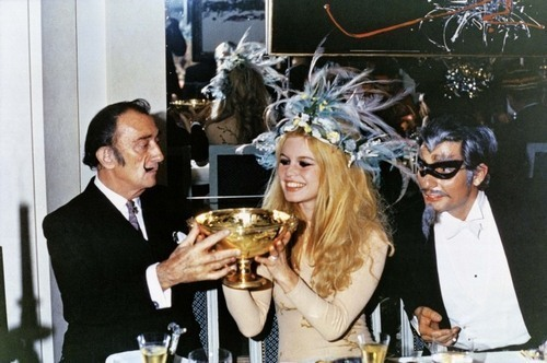 thedownunderground:  theswingingsixties:Salvador Dali and Brigitte Bardot
