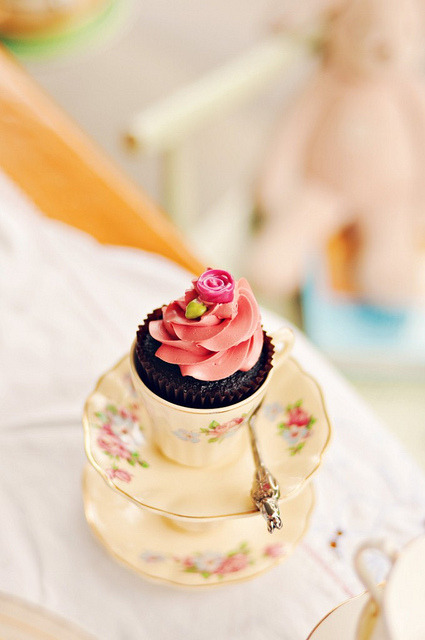 Petite Cupcake  by Sweetapolita on Flickr.