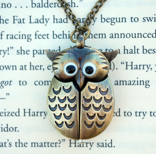 the-beauty-of-words-blog:  The Winged Owl Watch Necklace is back in-stock at the Wicked Clothes shop! Order now and use coupon code '1000NOTES' to get 10% off your order! Hurry and order now!