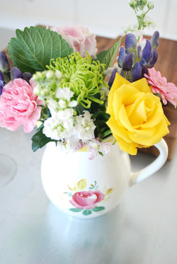 Kitchen Flowers by yvestown on Flickr.