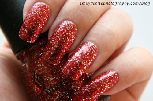 China Glaze Love Marilyn - You can see the other swatches of the Eye Candy collection here on my blog.