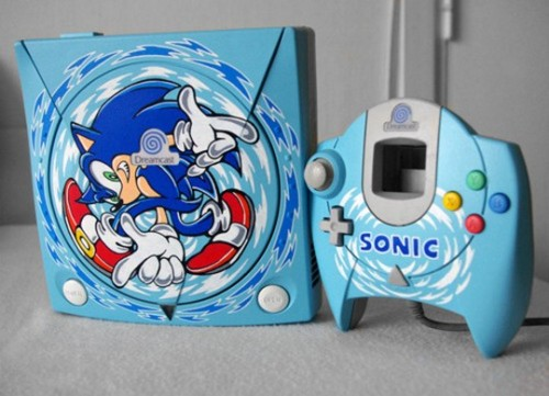 radroachmeat:  panda744:  Custom painted Dreamcast, I want this now!  OH MY FUCKING GOD I KNOW WHAT I WANT FOR CHRISTMAS