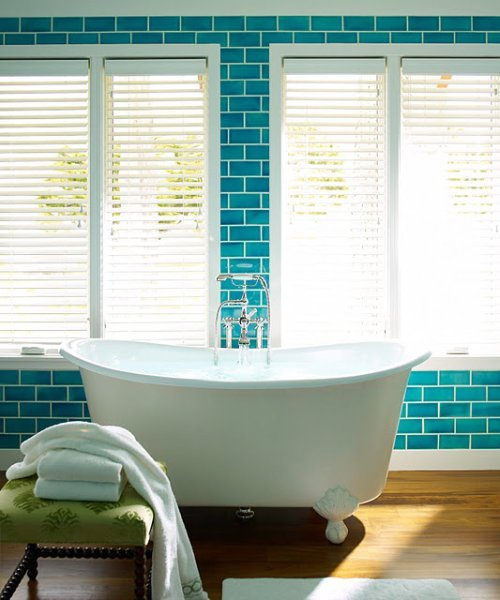 myfarmhouse:  (via ish and chi: Subway tiles)   Full Tub = Future Home Visions. (BTW: Feet on the bottom?  The old classy persona of me is oozing in adoration)