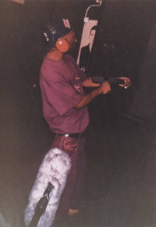 trillavanilla:  yazzyshakur:  2pac, Finally found the original one   o please no cant handle the swag
