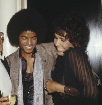 Michael Jackson and Lena Horne. Via a Vintage Black Glamour Facebook fan.