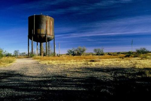 jetcetter:  New Mexico Abandoned Water Tower