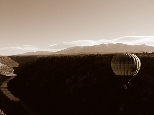 Ballooning the Taos gorge