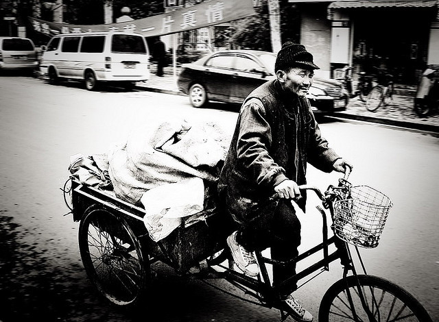 Delivery Boy by Rob-Shanghai on Flickr.