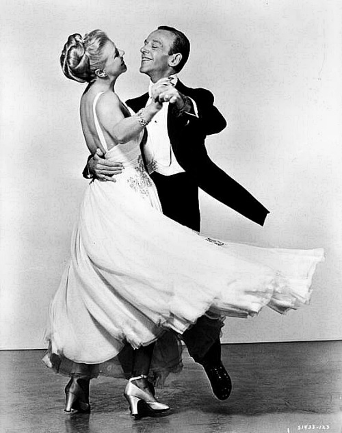 dialmformisfit:  Ginger Rogers and Fred Astaire from the musical The Barkleys of Broadway.