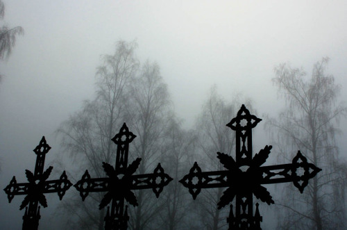 The fog seemed most grim when we stopped by the church in Kolbu Kolbu, Norway // by Bekah Lunn // Lundr Design